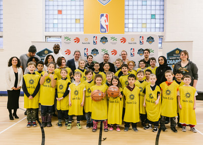The Sun Life Dunk For Diabetes program was launched in Quebec by the NBA, the Toronto Raptors, Boys & Girls Clubs of Canada and Sun Life Financial. This initiative aims to promote the importance of a healthy and active lifestyle as a means of preventing type 2 diabetes. (CNW Group/Sun Life Financial Canada)