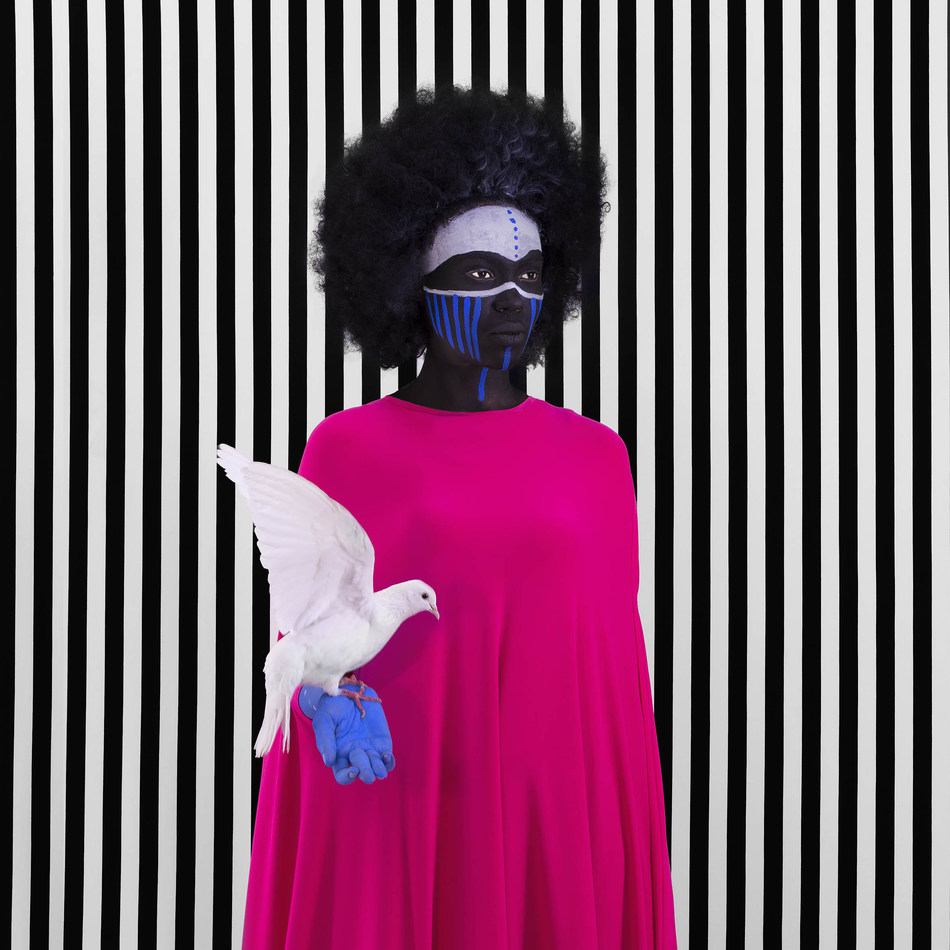 Compromise, 2017, by Aida Muluneh (Addis Ababa, Ethiopia) (CNW Group/Scotiabank)