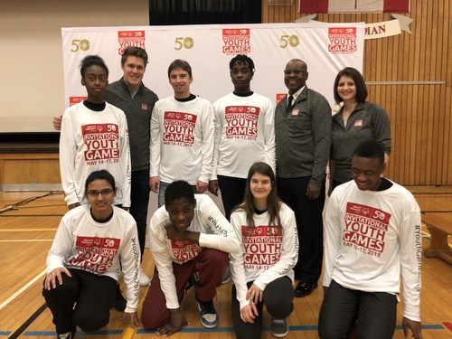 Toronto Police Chief Mark Saunders, Toronto Maple Leaf Jake Gardiner, and Co-CEO of Women of Influence, Stephania Varalli, announce their drafts for the Special Olympics Ontario Invitational Youth Games. (CNW Group/Special Olympics Ontario)
