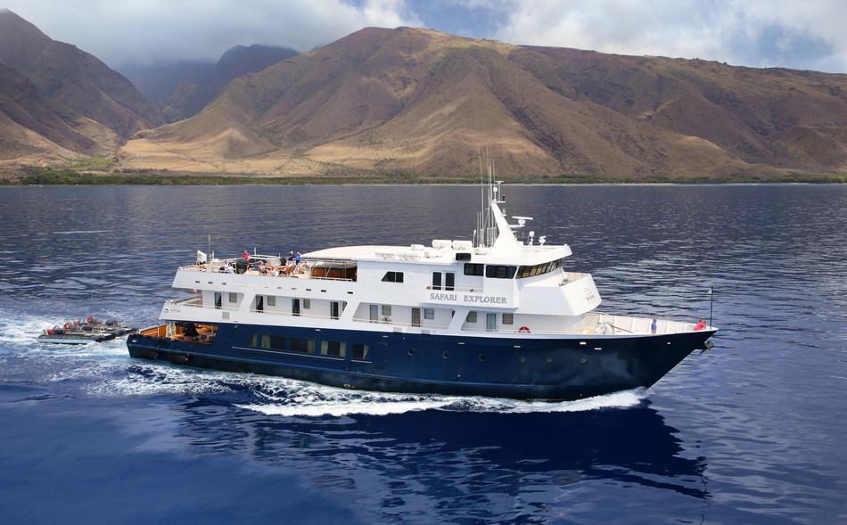 36-guest Safari Explorer cruises between four islands in Hawaii