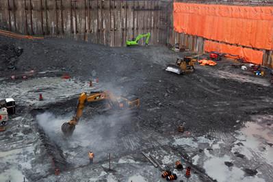 Development is underway at Sugar Wharf. (CNW Group/Menkes Developments Ltd)