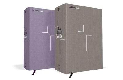 La Biblia Jesús NVI en sus dos encuadernaciones - Tela sobre tapa Dura Gris y Lavanda. (PRNewsfoto/Editorial Vida)