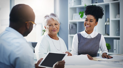 At Novus Health, the goal is to empower individuals and their family members to meet the challenges of aging. (CNW Group/Novus Health)