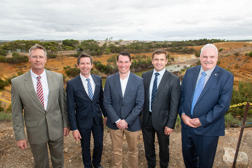 Hydrostor Angas A-CAES Project Announcement: (Left to right) Dan van Holst Pellekaan, State Minister for Energy and Mining, Simon Birmingham, Senator for South Australia, Federal Minister for Trade, Tourism and Investment, Curtis VanWalleghem, CEO of Hydrostor, Matt Walden, Investment Director for ARENA, Adrian Pederick, Member for Hammond. (CNW Group/Hydrostor Inc.)