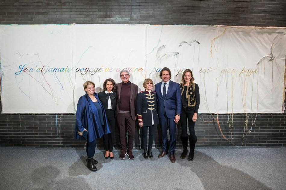 De gauche à droite : Josée-Lyne Falcone, Sylvie Cordeau, Louis Boudreault, Chantal Renaud, Pierre Karl Péladeau et Pascale Bourbeau. (Groupe CNW/Québecor)
