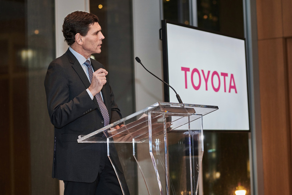 Larry Hutchinson, President and CEO of Toyota Canada addresses key Canadian automotive industry influencers at annual stakeholder dinner (CNW Group/Toyota Canada Inc.)