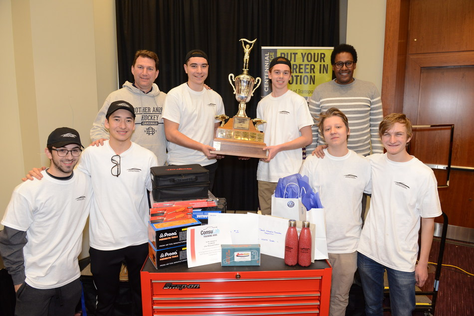 Top three teams of the 20th edition of the Toronto Automotive Technology Competition with their instructors. Vincent Servinis and Samuel Luff from St. Brother André Catholic High School in Markham (middle) finished first. They will be representing their school and the Trillium Automobile Dealers Association (TADA) at the National Automotive Technology Competition. This prestigious event will be held during the New York International Auto Show on Tuesday, April 23 and Wednesday, April 24, 2019. (CNW Group/Auto Career Start)