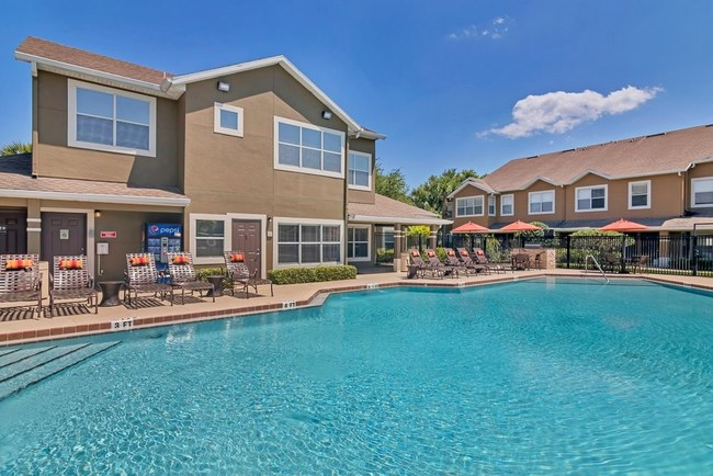 Calais Park Apartments has on-site amenities that include a resort-inspired swimming pool and spa, grilling stations, 24-hour fitness center, bark park, and business center.