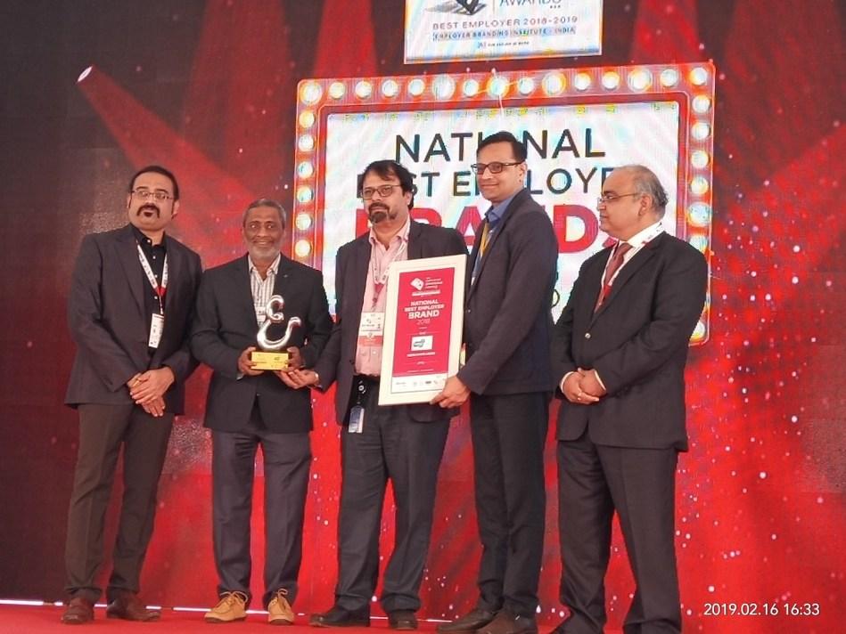 Deepak Nitrite Team receiving the award (PRNewsfoto/Deepak Nitrite Limited)