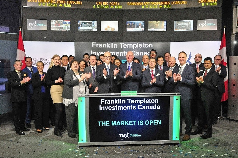 Duane Green, president and CEO, Franklin Templeton Investments Canada, joined by other Franklin Templeton employees, opened the TSX this morning to celebrate the launch of four new Exchange Traded Funds (ETFs): Franklin FTSE Canada All Cap Index ETF (FLCD); Franklin FTSE U.S. Index ETF (FLAM); Franklin FTSE Japan Index ETF (FLJA); and Franklin FTSE Europe ex U.K. Index ETF (FLUR). (CNW Group/Franklin Templeton Investments Corp.)