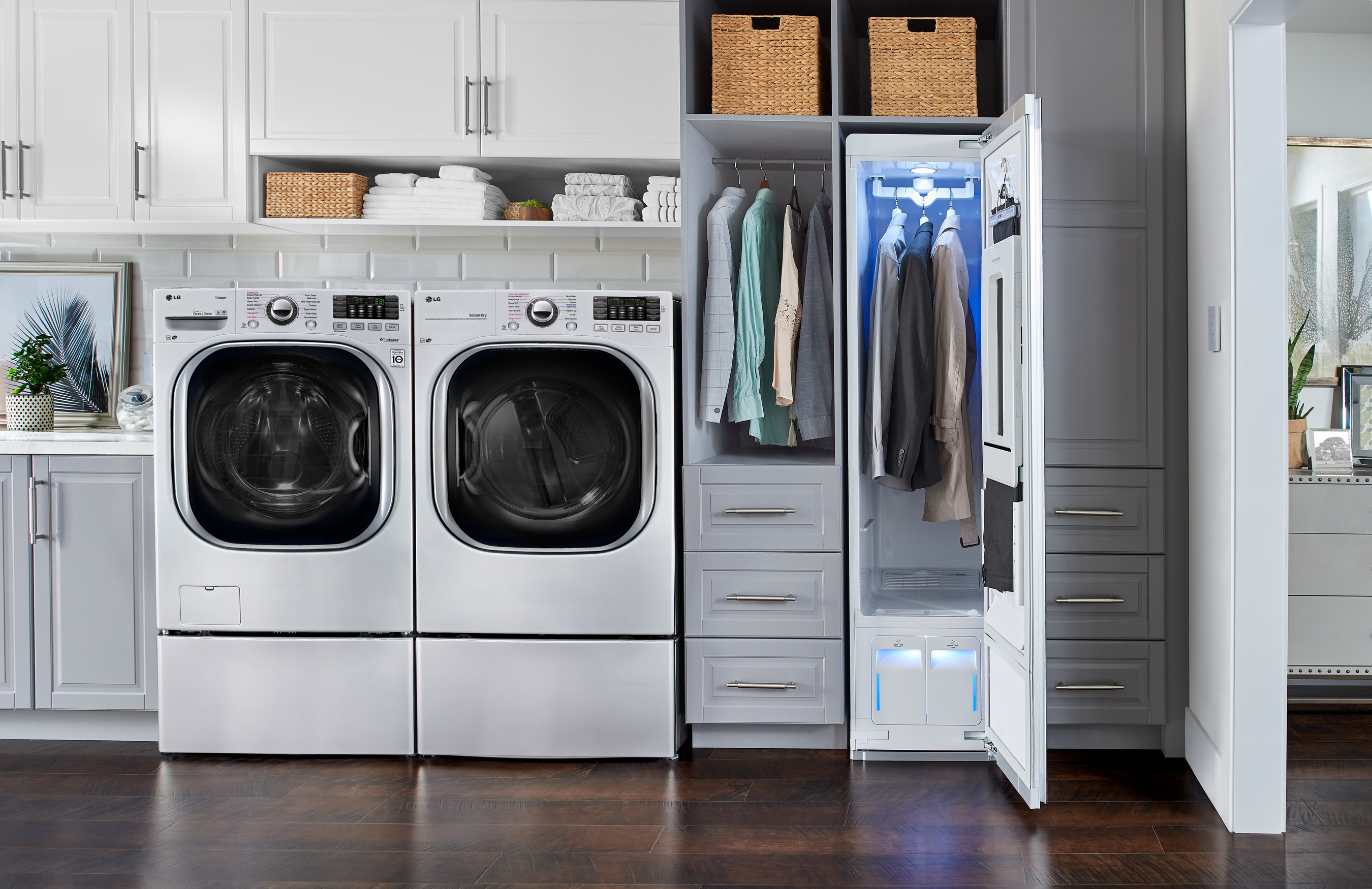 The premium LG Styler clothing care system brings functionality and elegance to the home with a refined, modern design and the ability to keep clothes looking their very best.