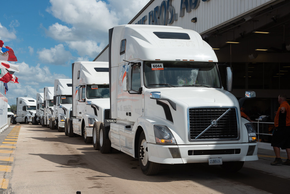 More than 465 truck tractors were sold on the final day of Ritchie Bros.' six-day, US$297+ million auction in Orlando, FL (CNW Group/Ritchie Bros. Auctioneers)