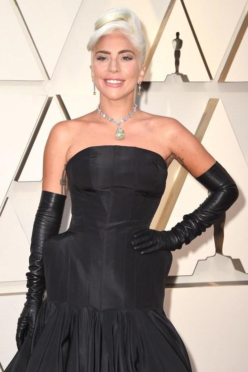 Lady Gaga Wears Platinum Jewelry to the Academy Awards #BePlatinum