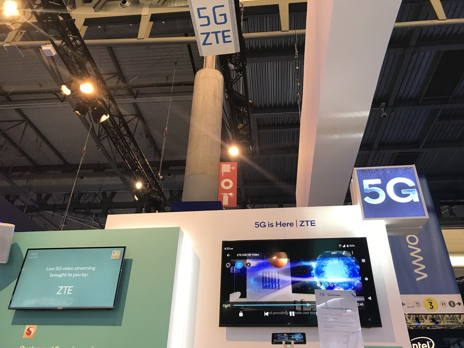 ZTE and Qualcomm Technologies Demonstrate Live 5G Services Based on 5G End-to-end Commercial Equipment (PRNewsfoto/ZTE Corporation)