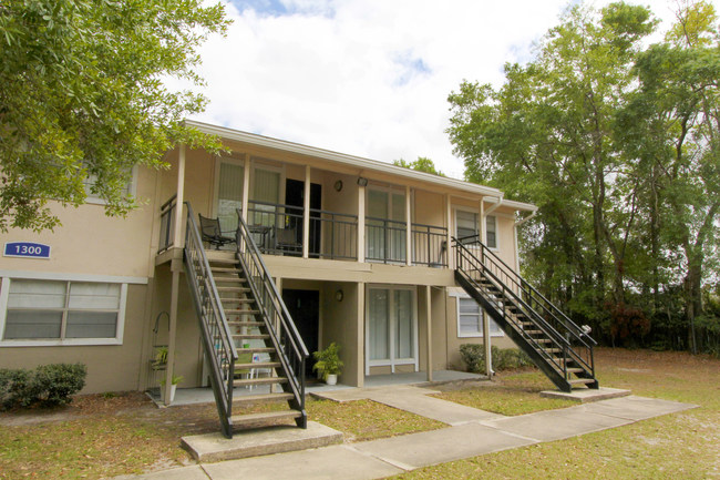 Lakewood Oaks Apartments, in Jacksonville, Fla.