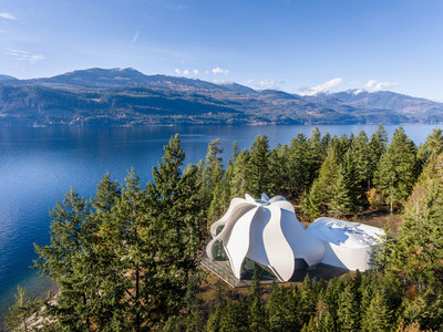 Winner: Wood Innovation - Temple of Light, Kootenay Bay, BC; Patkau Architects, Vancouver, BC. Photo Credit: Wood WORKS! BC – 2019 Wood Design Awards in BC. (CNW Group/Canadian Wood Council for Wood WORKS! BC)