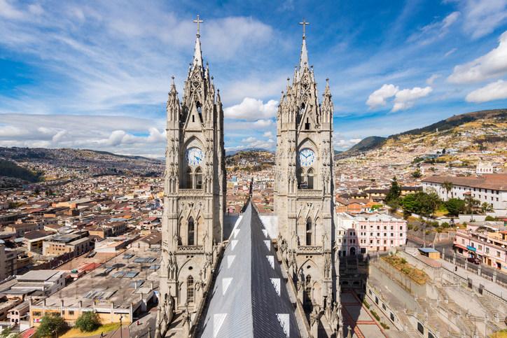 Air Canada lance un service à destination de Quito au départ de Toronto, le premier vol sans escale entre le Canada et l'Équateur. (Groupe CNW/Air Canada)