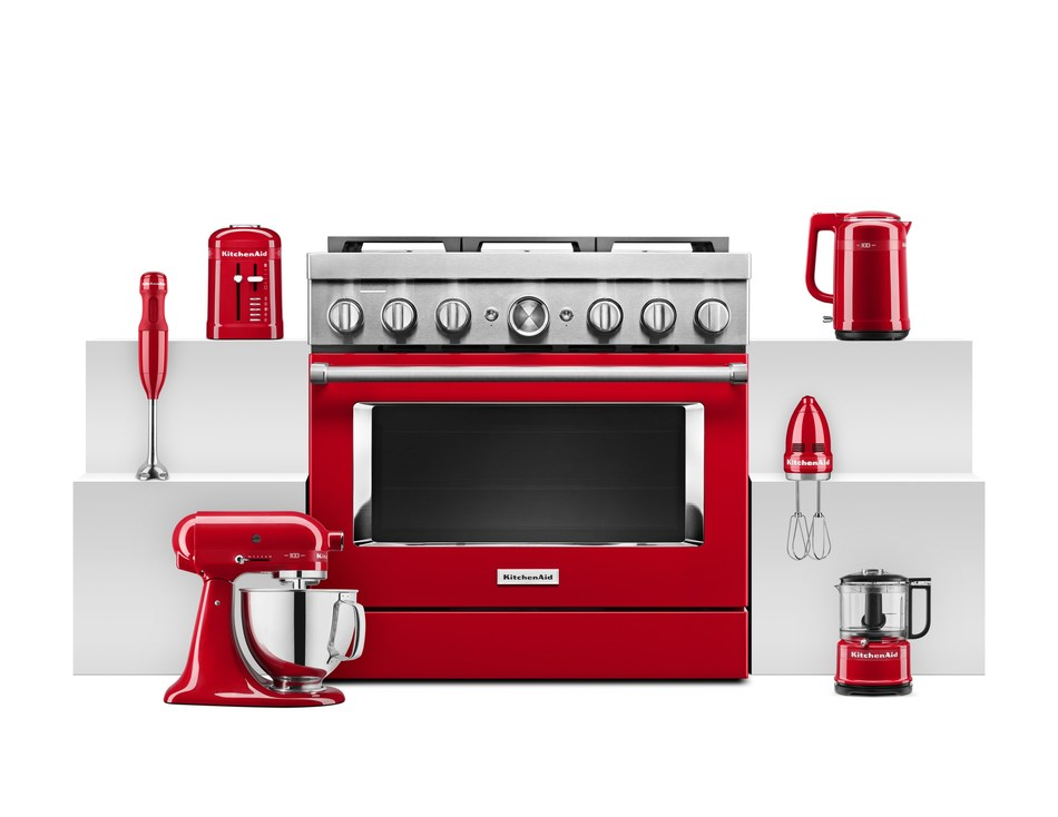 New Passion Red Colour and Limited Edition Queen of Hearts Collection Brings Iconic Style to Any Kitchen (CNW Group/KitchenAid Canada)