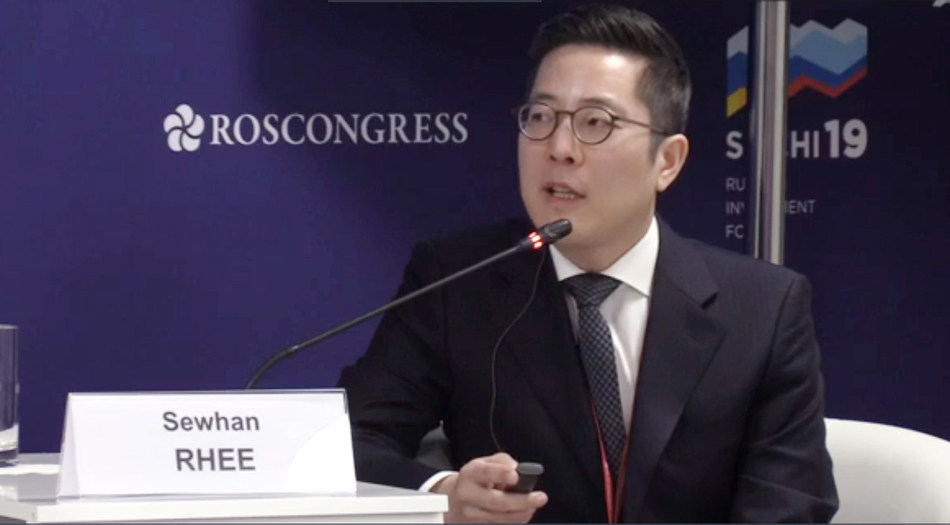 Dr. Rhee Se-whan of Grand Plastic Surgery Korea Invited as Russian Health Forum Speaker