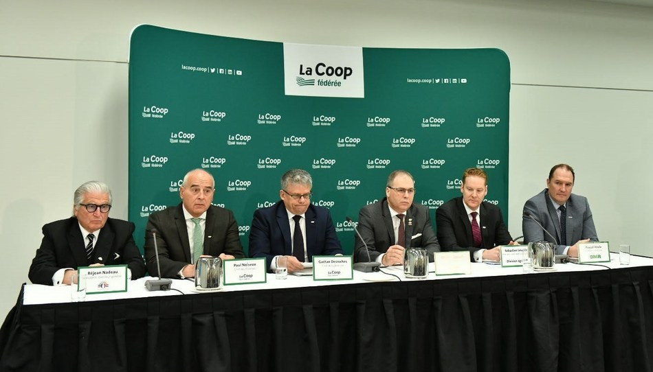 Left to right : Réjean Nadeau, President and Chief Executive Officer of Olymel, Paul Noiseux, Chief Financial Officer of La Coop fédérée, Gaétan Desroches, Chief Executive Officer of La Coop fédérée, Ghislain Gervais, President of La Coop fédérée, Sébastien Léveillé, Executive Vice-President, Agri-business Division and Pascal Houle, Chief Executive Officer of Groupe BMR during the press conference of La Coop fédérée's 97th Annual General Meeting. (CNW Group/La Coop fédérée)