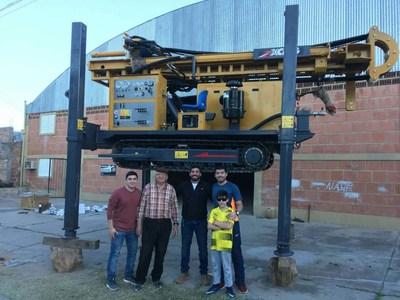 A XCMG exporta plataforma XSL7/350 de perfuração de poços profundos para a Argentina, pouco antes do envio do pedido da Rússia. (PRNewsfoto/XCMG)