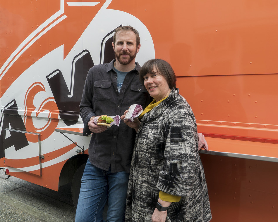 A&W CEO Susan Senecal and Beyond Meat Founder and CEO Ethan Brown. (CNW Group/A&W Food Services of Canada Inc.)