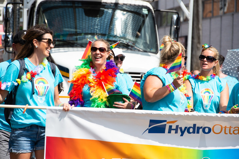 Hydro Ottawa at the 2018 Pride Parade (CNW Group/Hydro Ottawa Holding Inc.)