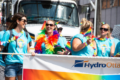 Hydro Ottawa au défilé de la fierté de 2018 (Groupe CNW/Société de portefeuille d'Hydro Ottawa inc.)