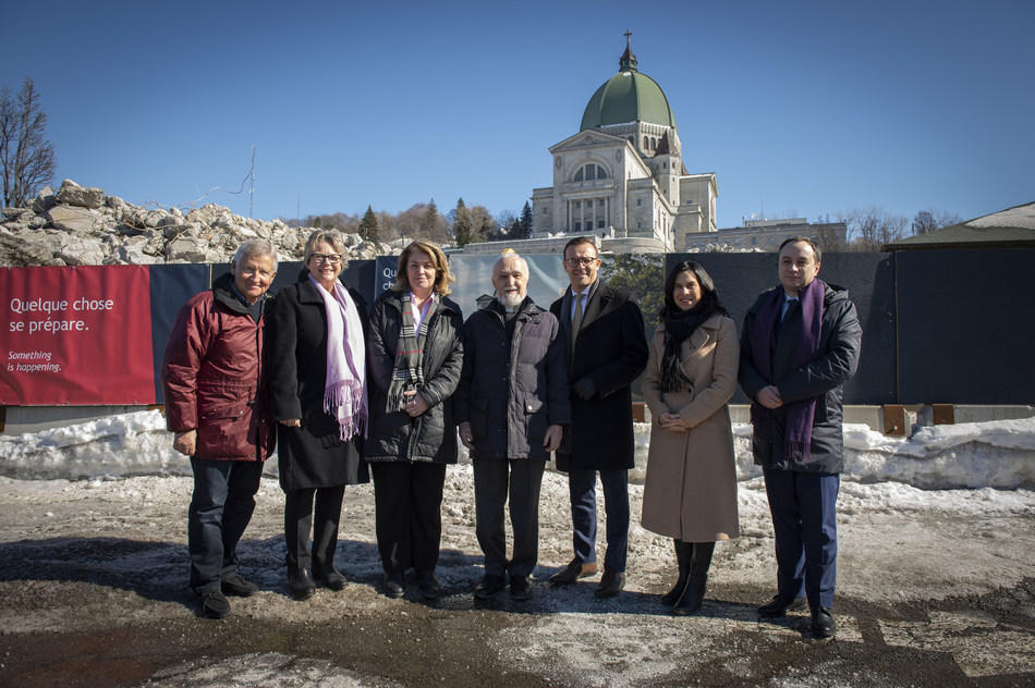 From left to right: Mr. Jean-Pierre Léger, Chairman of the Board for the St Hubert Foundation and member of the Campaign Cabinet; Mrs. Chantal Rouleau, Minister for Transport and Minister Responsible for the Metropolis and the Montréal Region; Mrs. Sherry Romanado, Parliamentary Secretary to the Minister of Seniors, representing the Honourable François-Philippe Champagne, Minister of Infrastructure and Communities; Father Claude Grou, CSC, Rector of Saint Joseph's Oratory of Mount Royal; Mr. Guy Cormier, President and Chief Executive Officer, Desjardins Group and Cabinet Chair of the Reaching New Heights Campaign; Mrs. Valérie Plante, Mayor of Montréal; Mr. Sébastien Barangé, Vice-President, Communications & Public Affairs of CGI, representing Serge Godin, CGI Founder and Executive Chairman of the Board and member of the Campaign Cabinet. (Photo: Sébastien St-Jean) (CNW Group/Saint Joseph's Oratory of Mount Royal)