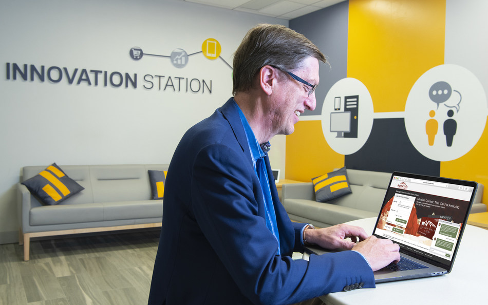 Greg Simpson, Chief Technology Officer and Artificial Intelligence leader at Synchrony, a premier consumer financial services company, chats with Synchrony's intelligent virtual assistant – Sydney.