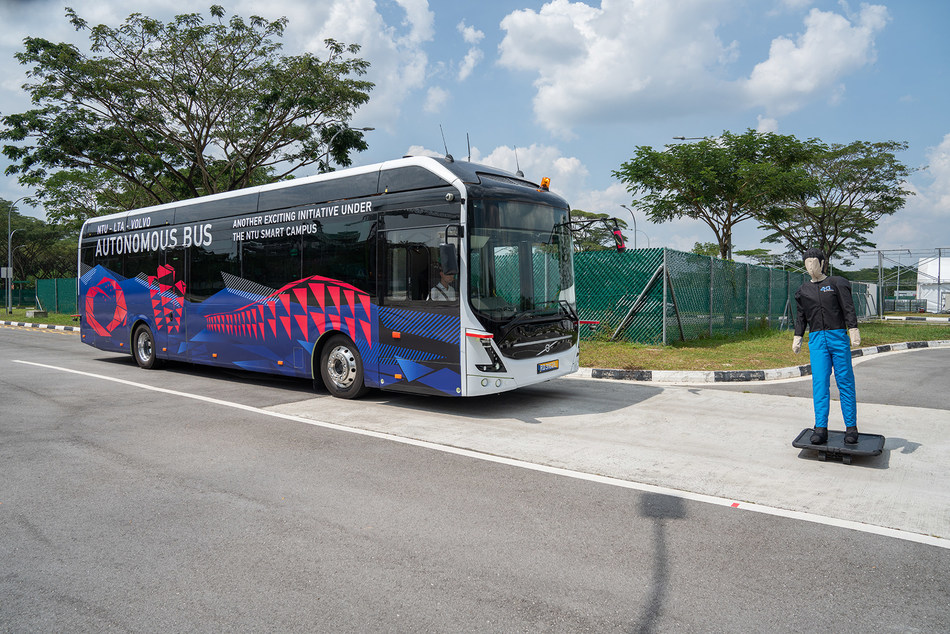Autonomous bus 1 (PRNewsfoto/Volvo Bus Corporation)