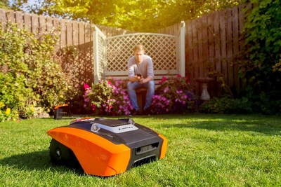 YARD FORCE AMIRO City Mowers are equipped with iRadar technology and are perfect for city garden use
