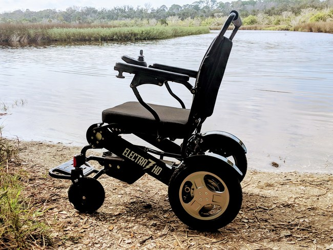 The Electra7 from Quick N Mobile holds up to 400lbs and has 21 inches of width in seating area!