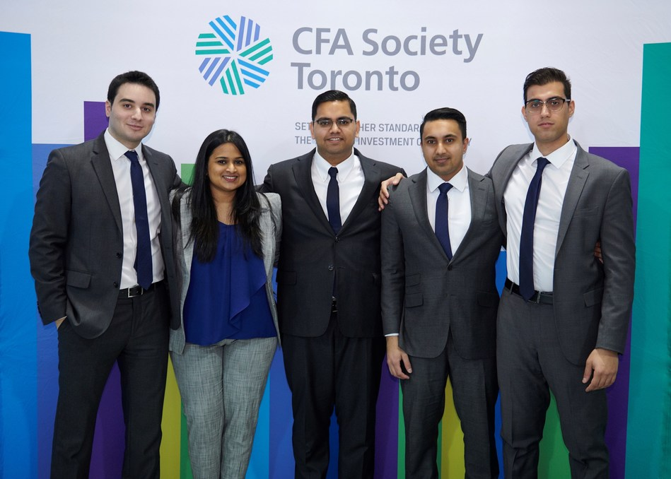 (Right to left) Yacine Drissi Qeytoni, Sruthi Nair, Sharad Gopal, Shahzad Aziz Hussain, and Romel Sabat (CNW Group/CFA Society Toronto)