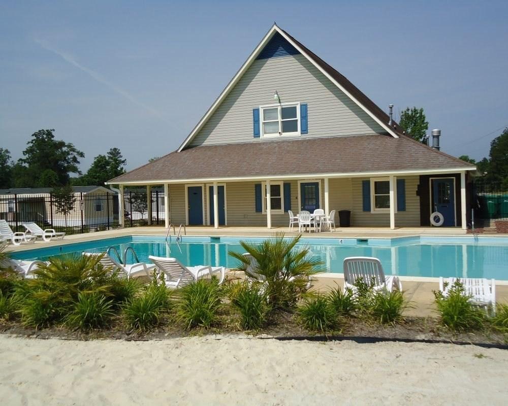 Avalon Park Pool and Beach