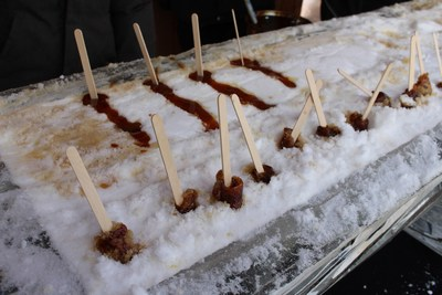 Sugar Shack TO, presented by Redpath will have two sugar shacks serving up fresh maple taffy rolled on snow. (CNW Group/Water's Edge Festivals & Events)