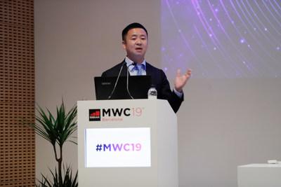 Kevin Huang, director de Mercadotecnia de la Línea de productos de redes de acceso y transmisión de Huawei, presentó la solución ON2.0 en la feria MWC 2019 (PRNewsfoto/Huawei)