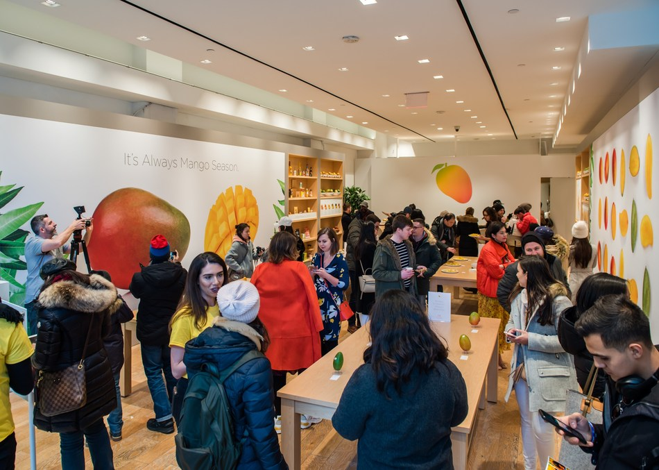 On March 7, the National Mango Board unveiled The Mango Store, which offered New Yorkers a one-day opportunity to discover the culture, flavor, nutrition and versatility of mangos.