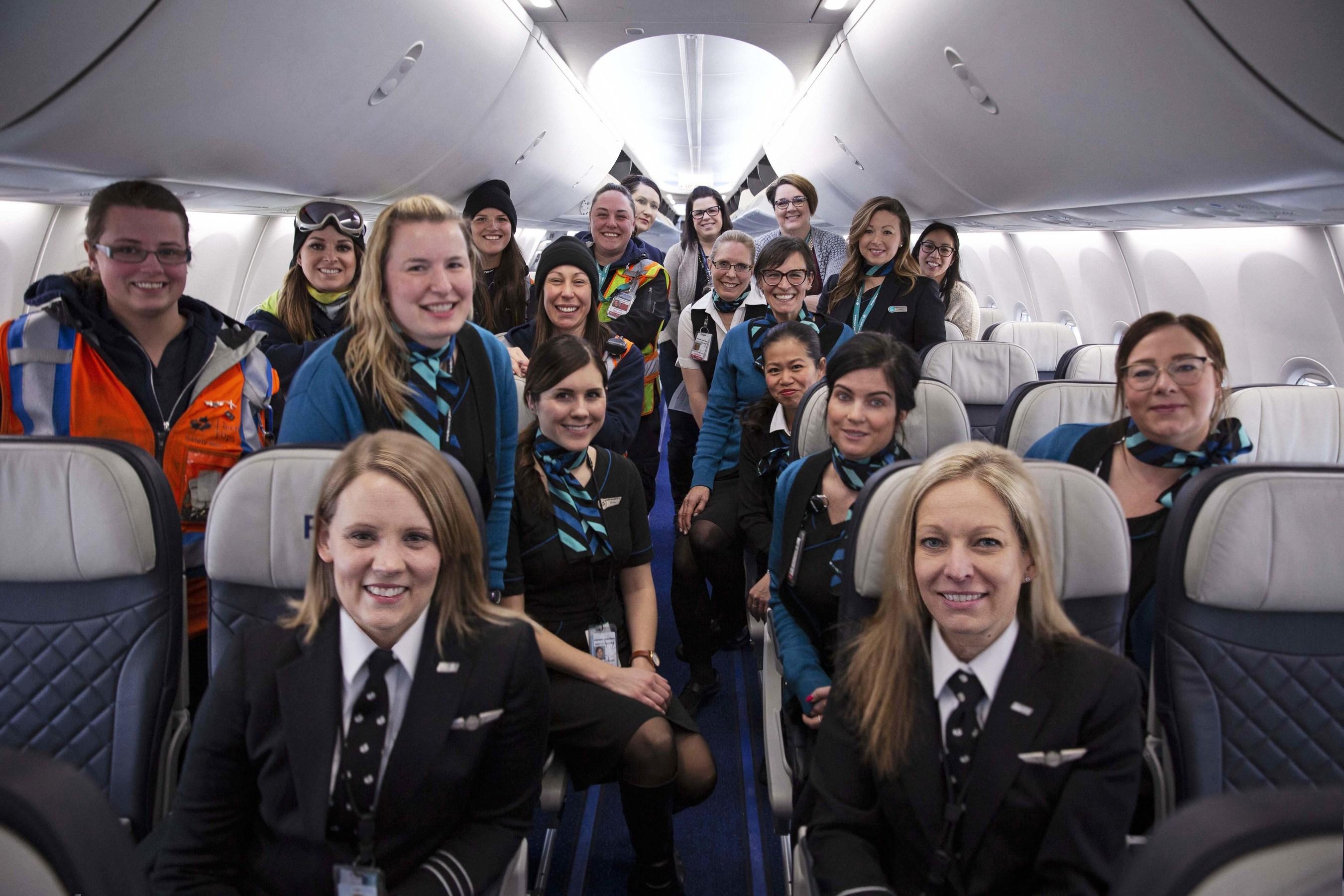 WestJet's all female flight and ground crew from flight 2250 (CNW Group/WESTJET, an Alberta Partnership)