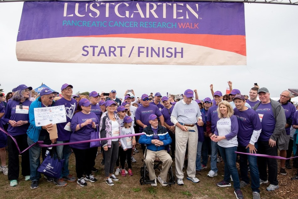 Participants at the start line for the Lustgarten Pancreatic Cancer Research Walk.  The Northwell Health Cancer Institute is a presenting sponsor for five walks in the New York metropolitan area this year; Photo credit: Ben Arsen