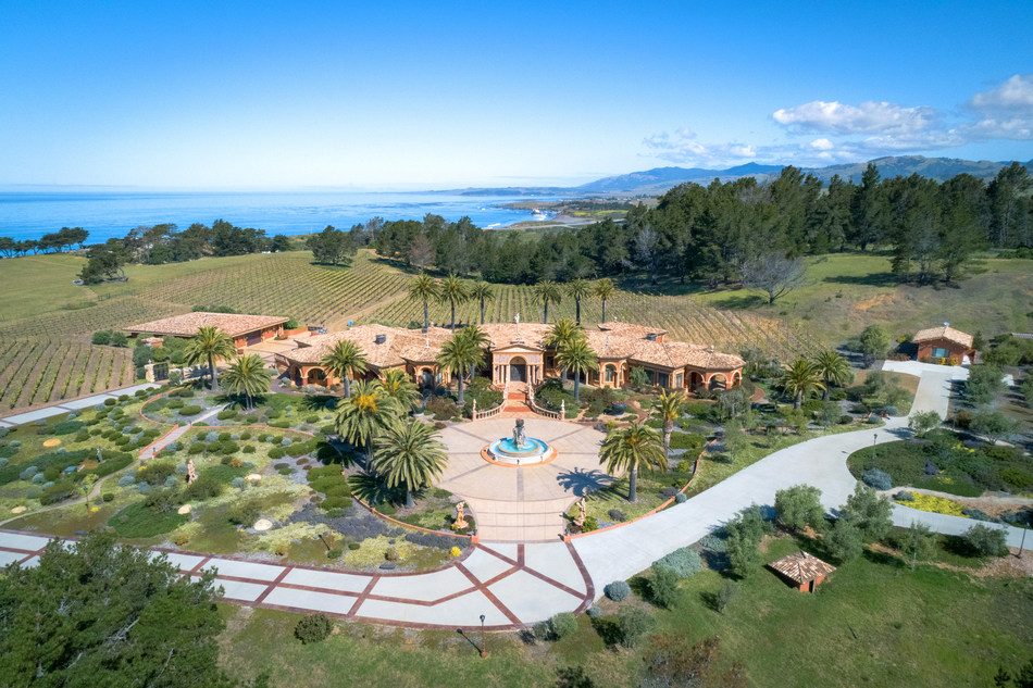 Concierge Auctions And Compass To Sell $60 Million, 80-Acre Coastal Compound In Central California Without Reserve