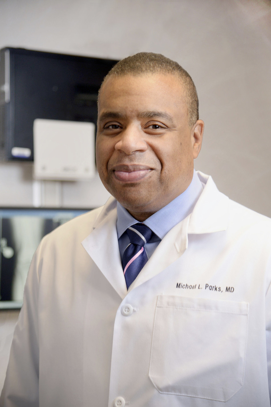 Michael L. Parks, MD, clinical director of Orthopedic Surgery at HSS, received the 2019 Diversity Award from AAOS.
