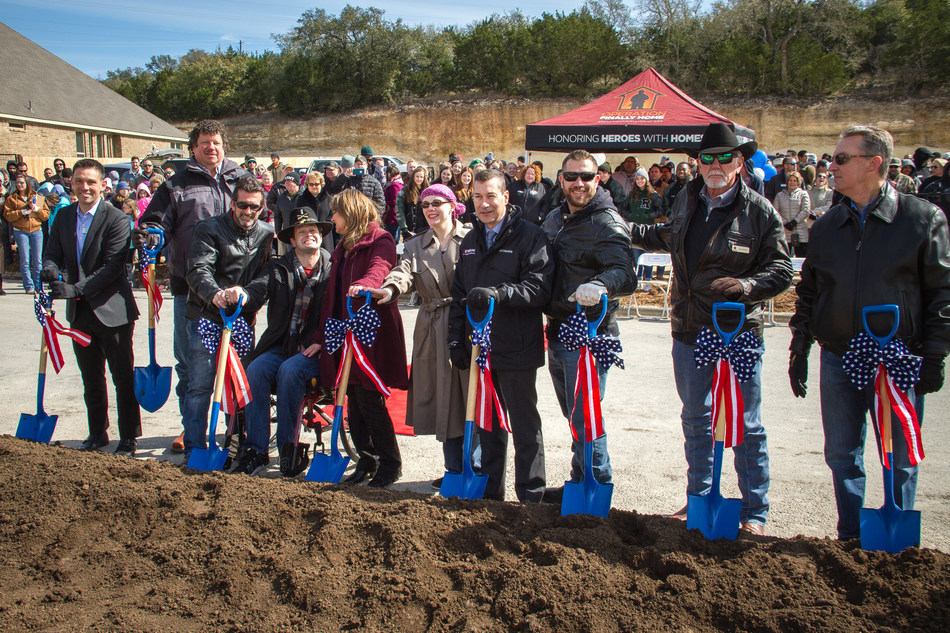 U.S. Army First Lieutenant Garrett Spears breaking ground on future homesite along with family, Lennar and other key organizations.