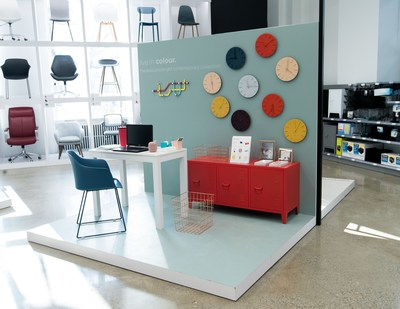 Staples Canada has launched a new collaboration with design powerhouse and champion of entrepreneurs Joe Mimran to bring a newly curated assortment of office and tech products to its stores – delivering an unexpected mix to bring style and function to workspaces. (CNW Group/Staples Canada ULC)