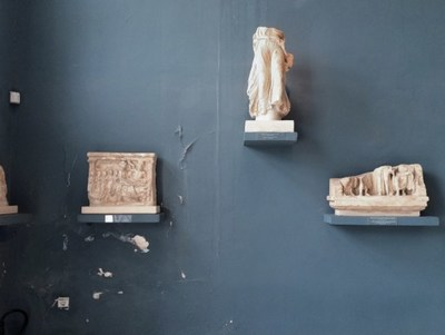 One of the artworks from the Printemps du MAC auction. Celia Perrin Sidarous, Archaeological Museum of  Eleusis, 2011 (CNW Group/Fondation du MAC)