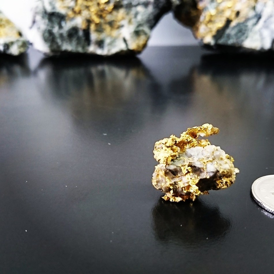 Monarch Gold Intersects 24.40 g/t Au Over 2.0 Metres, Including 93.80 g/t Au Over 0.5 Metres, at its McKenzie Break Gold Project (CNW Group/Monarch Gold Corporation)