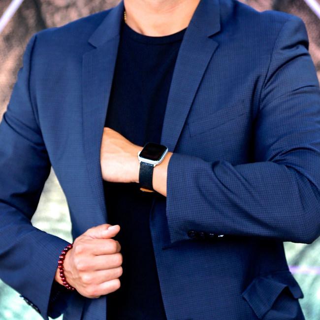Golden Knight Launches its Luxury Stingray Watch Strap on Kickstarter