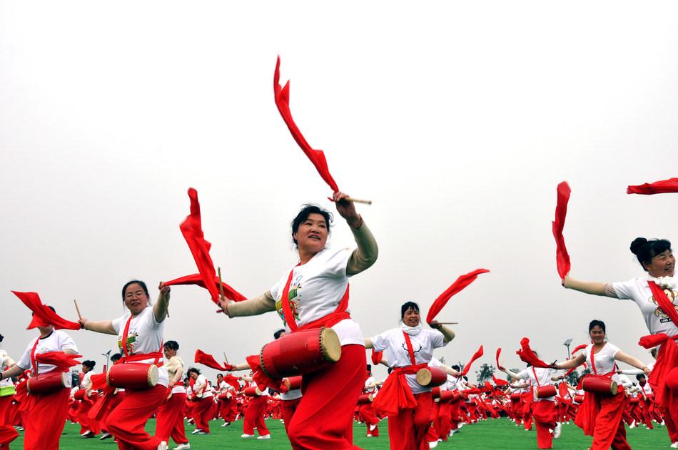Xi'an realiza o segundo Festival de Fazendeiros para promover o desenvolvimento agrícola na China. (PRNewsfoto/Xi'an Farmers Festival)