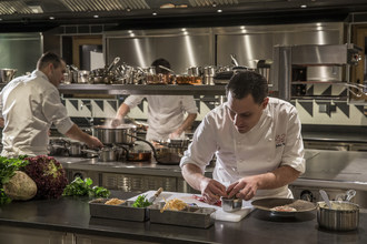 Culinary Craftsmanship at its Finest: Four Seasons Surpasses Previous Record with 25 Michelin Stars at 17 Restaurants Worldwide
