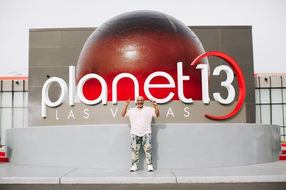 Mike Tyson at Planet 13 Cannabis Entertainment Complex. (CNW Group/Planet 13 Holdings Inc.)